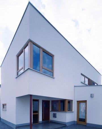 Braune Kunststofffenster europäische holzroute abschnitt rheinland pfalz benelux kfw 60